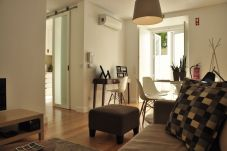 Ferienwohnung in Lissabon - Lapa Sunny Terrace